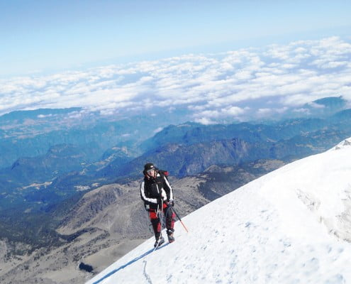 Waking-around-the-crater-of-Pico-de-Orizaba-(5636-m)